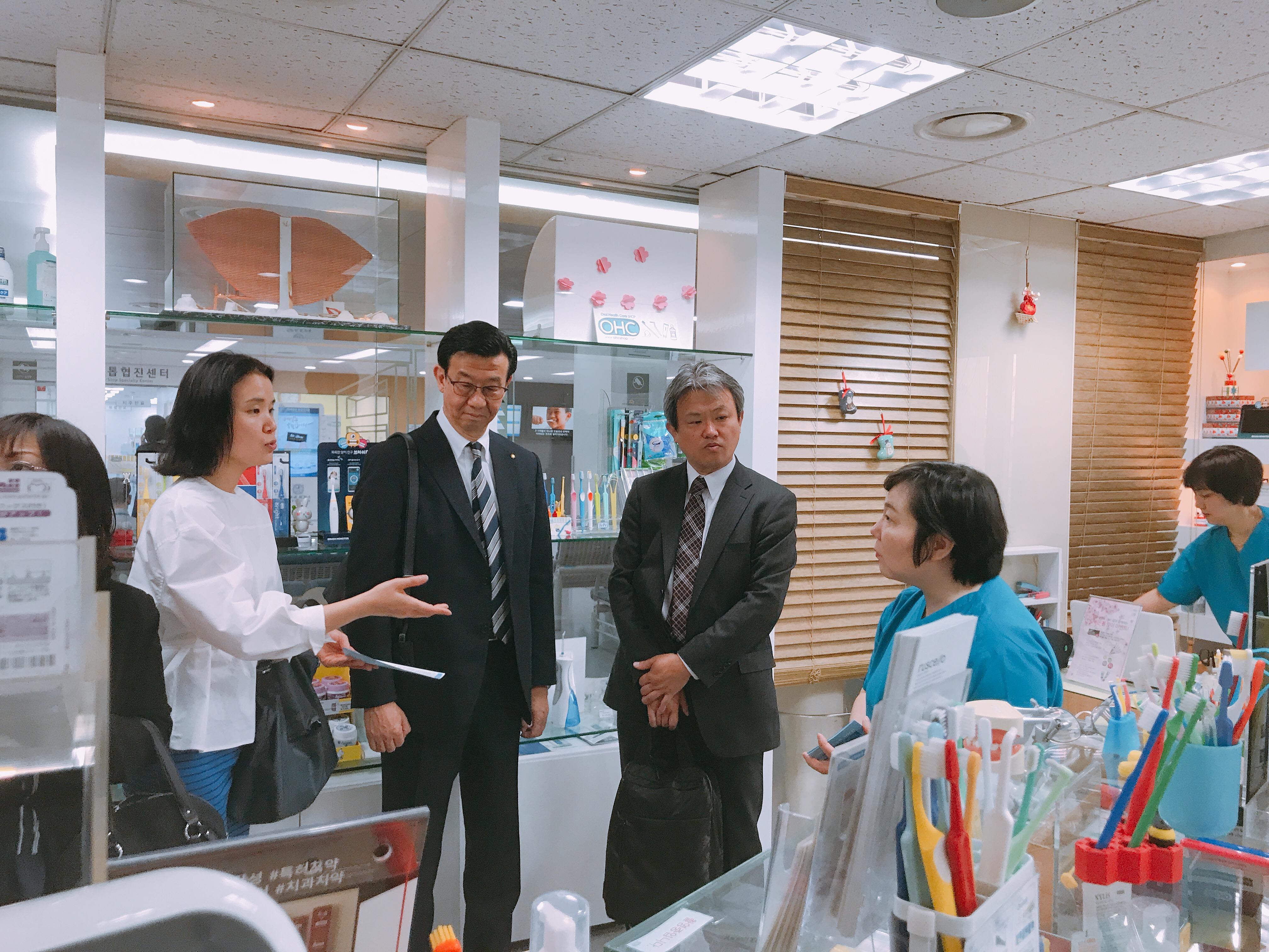 2019-5-13 일본 라이온 본사 직원 혜화방문 14.jpg