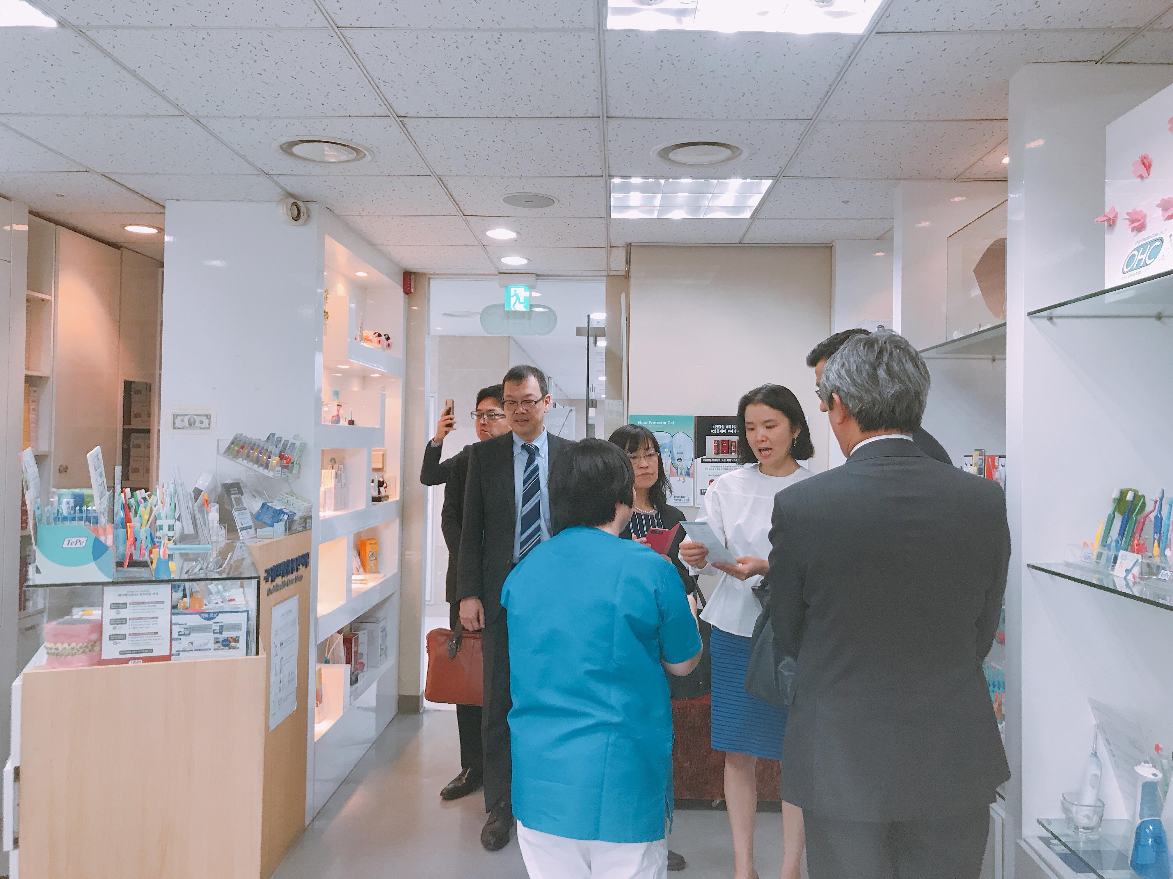 2019-5-13 일본 라이온 본사 직원 혜화방문 12.jpg