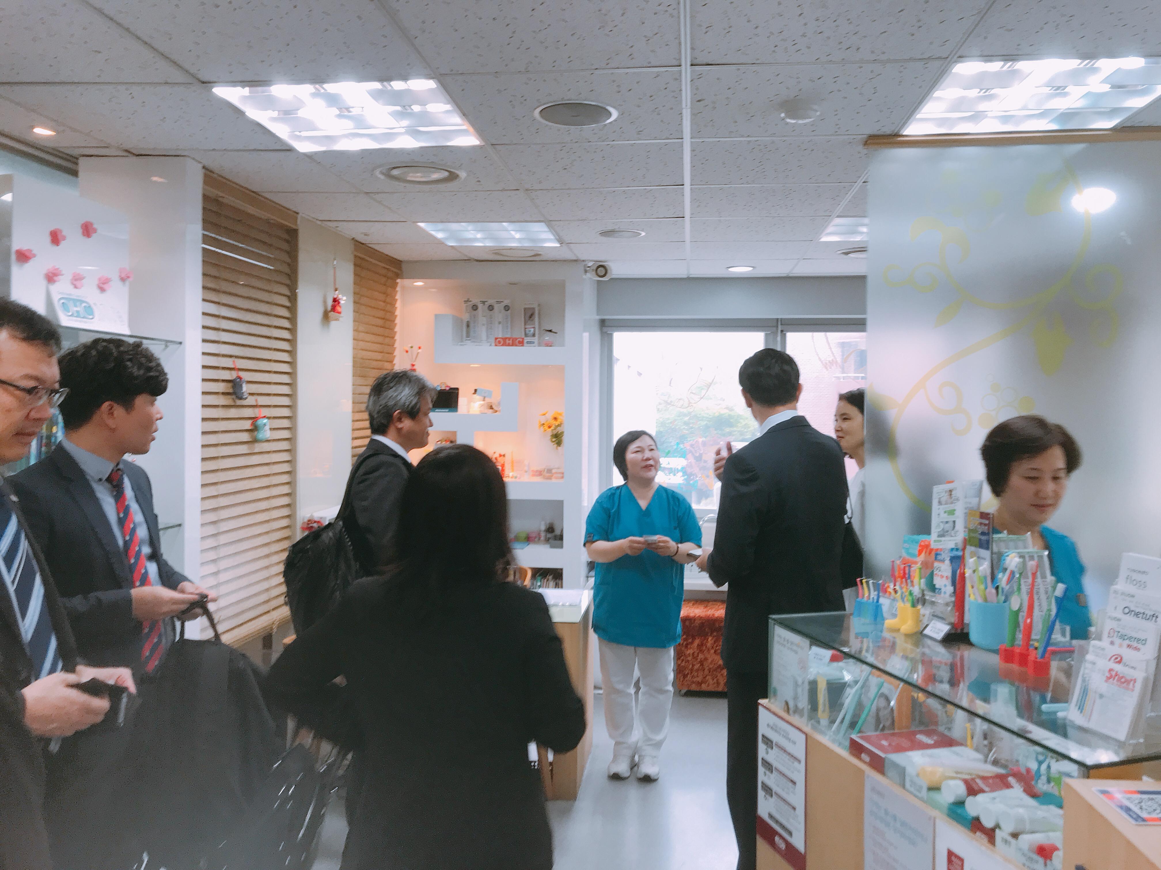 2019-5-13 일본 라이온 본사 직원 혜화방문 16.jpg
