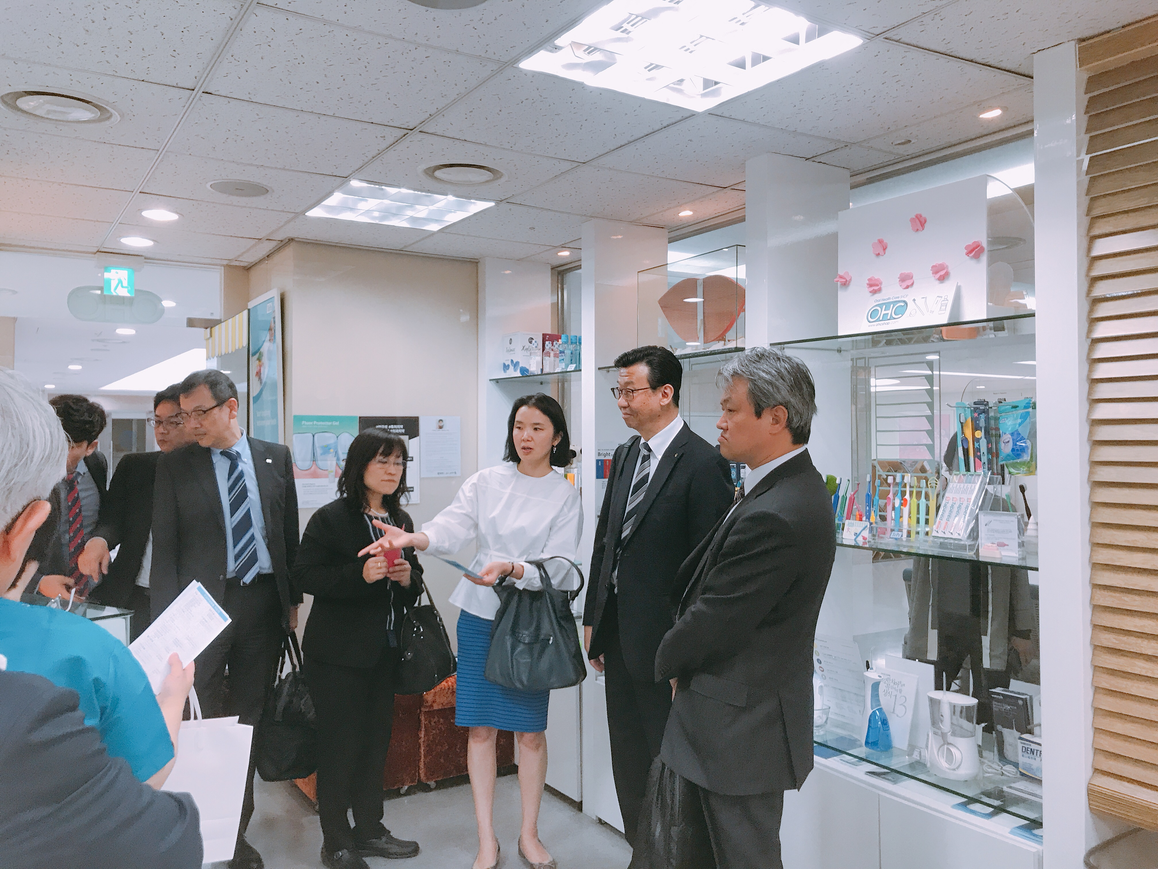 2019-5-13 일본 라이온 본사 직원 혜화방문 13.jpg