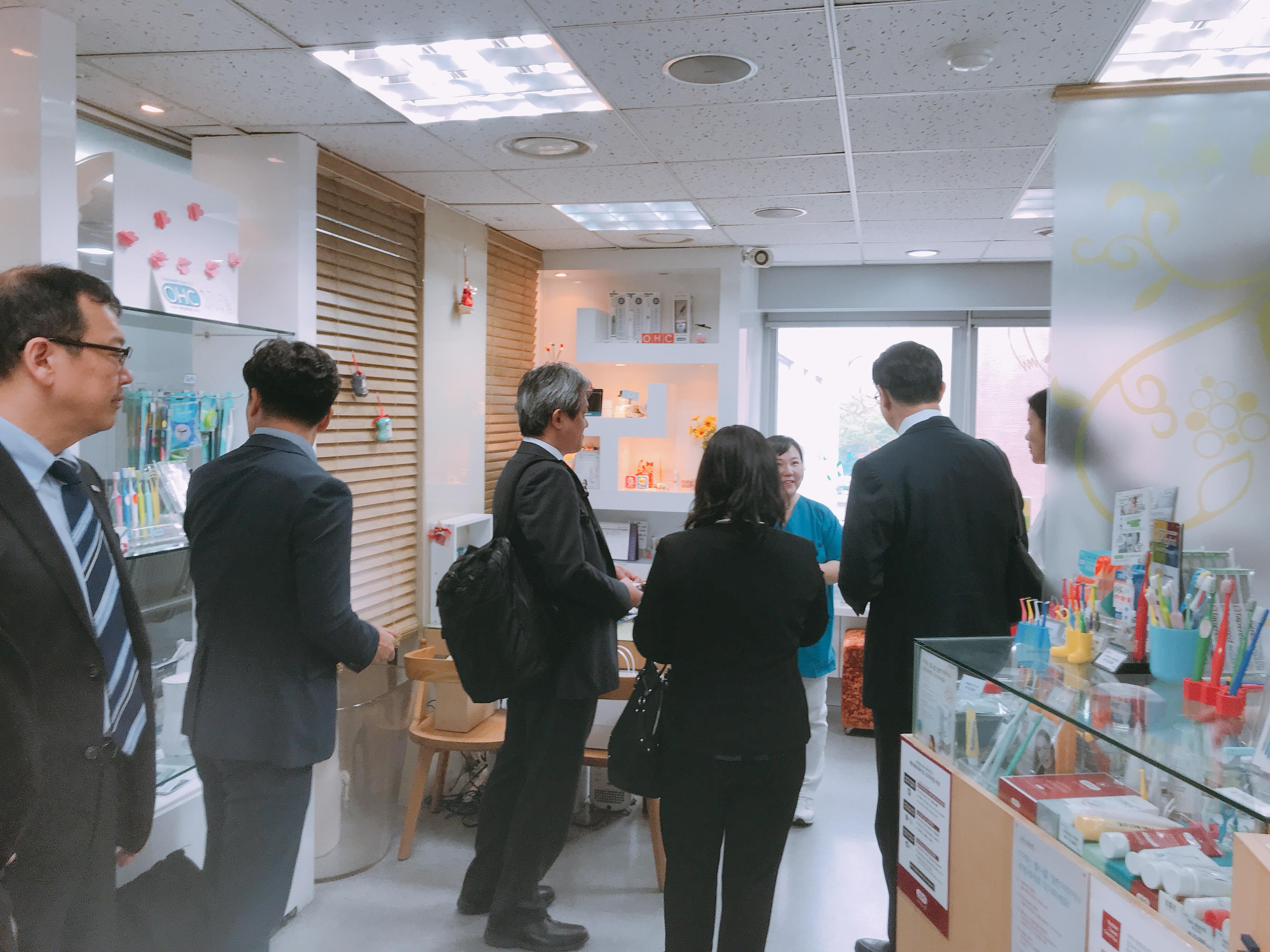 2019-5-13 일본 라이온 본사 직원 혜화방문 17.jpg