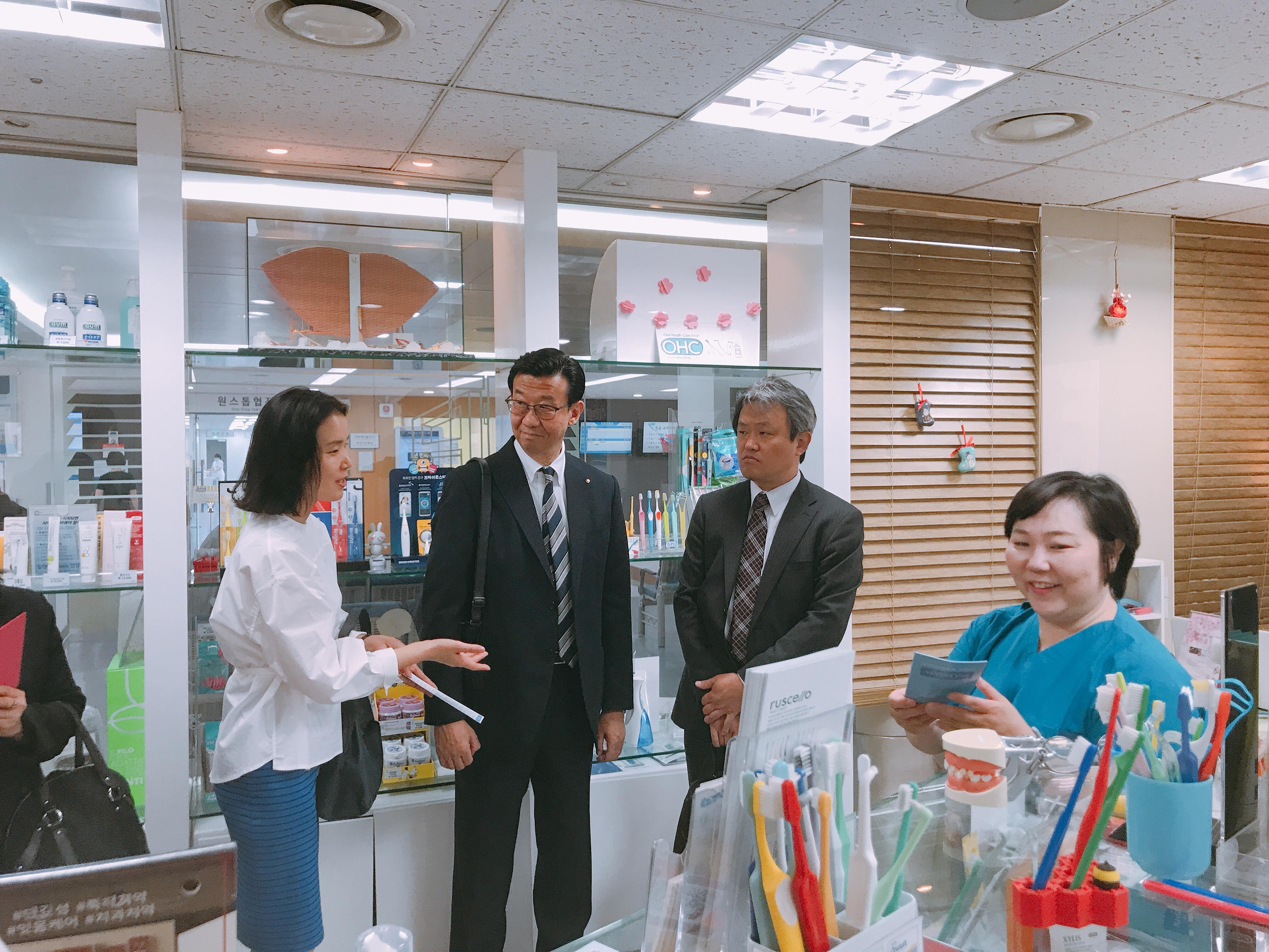 2019-5-13 일본 라이온 본사 직원 혜화방문 15.jpg