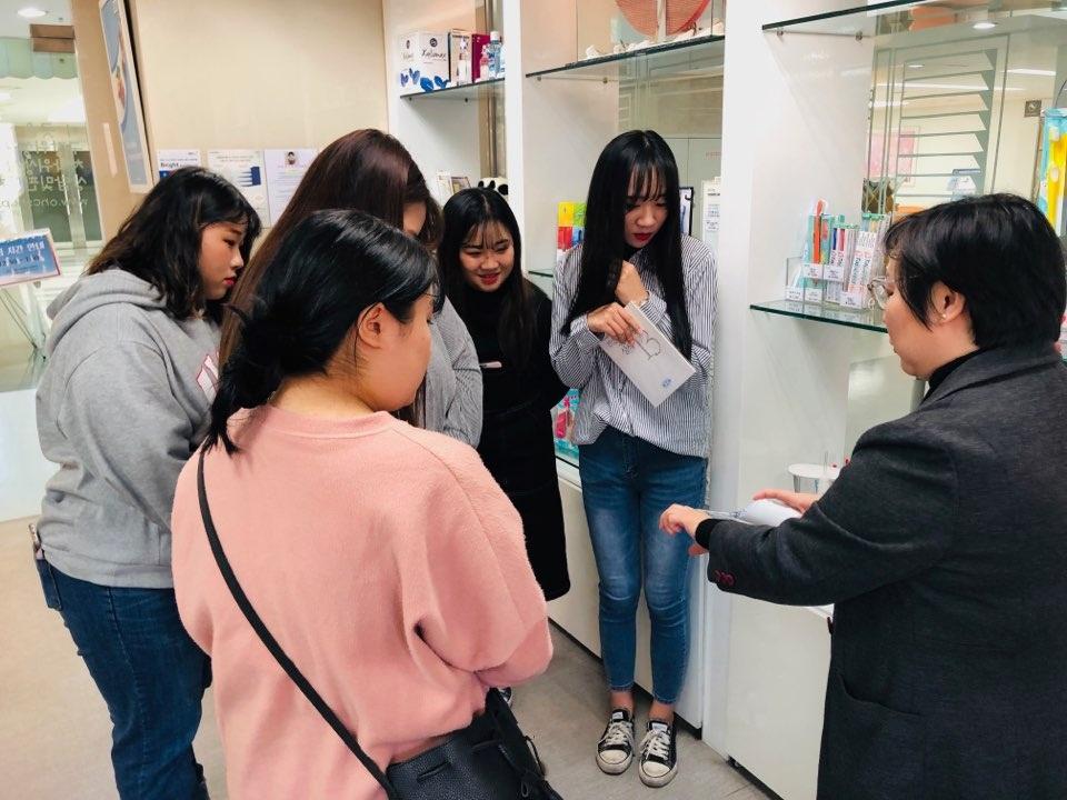 2018-11-23 대원대학교 치위생과 OHCSHOP 견학방문 13.jpg